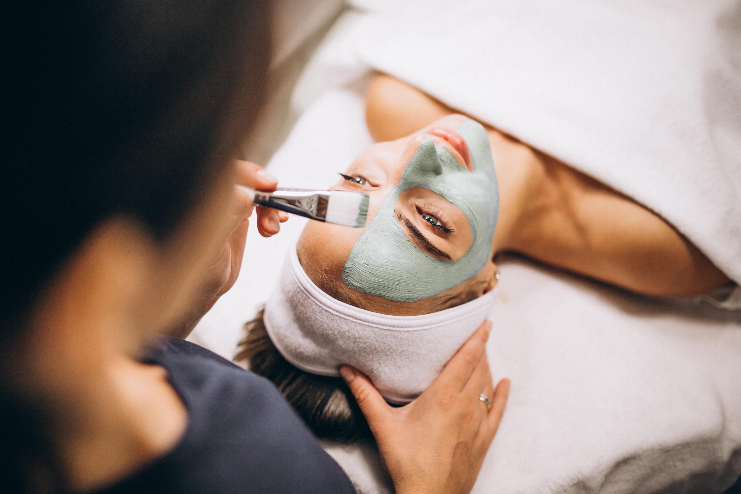 маска на лице косметология обучение